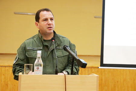 Armenian Defense Minister visits northeast section of state border