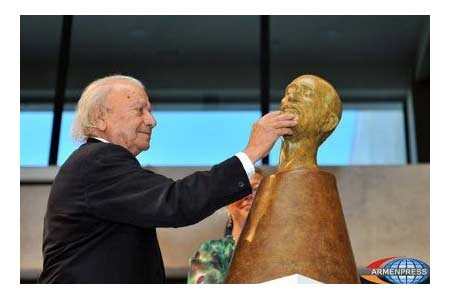 Armen Sarkissian expressed condolences on demise  of French sculptor  Toros Rastkelenian
