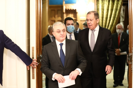 Mnatsakanyan to meet with Lavrov in Moscow