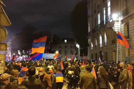 Armenians of France demand to recognize the independence of Artsakh