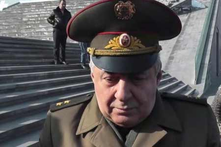 Armenian Defense Minister visits special military unit