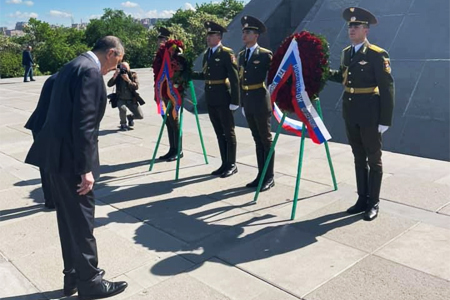 Lavrov laid a wreath at the Memorial to the victims of the Armenian  Genocide
